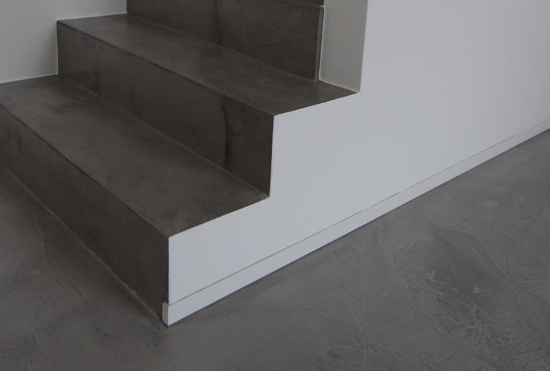 Treppenstufen Holz Anthrazit ~ Betontreppe gespachtelt, Treppenbeschichtung Betonoptik, Treppe wie