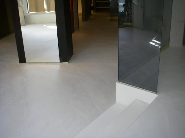 fugenlose spachtelb den betonboden loftboden mineralisch gespachtelt zement r oberfl chen gmbh. Black Bedroom Furniture Sets. Home Design Ideas